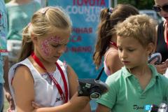 Трасса с радиоуправляемыми моделями Mini-Z на финале мероприятии Toyota X-Country 2012 в Москве