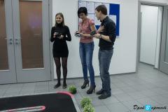 Гонки на радиоуправляемых моделях Mini-Z в офисе компании Polymedia