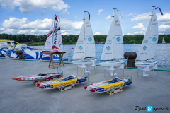 Регата на радиоуправляемых яхтах и гонки на радиоуправляемых катерах на мероприятии компании ТРЭМ Инжениринг в Яхт-клубе Пирогово