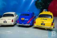 Гонки на радиоуправляемых ретро-автомобилях