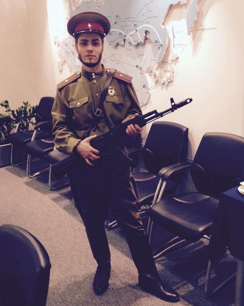 Костюм военный