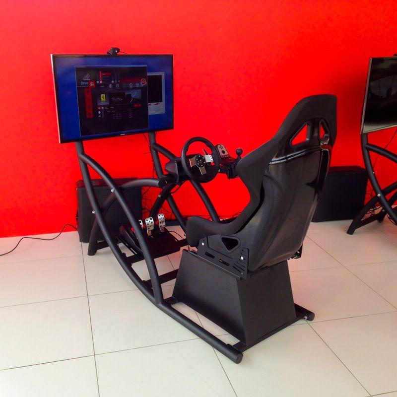 Гоночный автомобильный симулятор в аренду